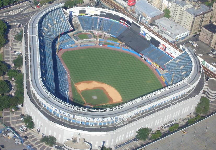 Yankee Stadium by Kwong Yee Cheng. https://www.flickr.com/photos/kycheng/5651417187.