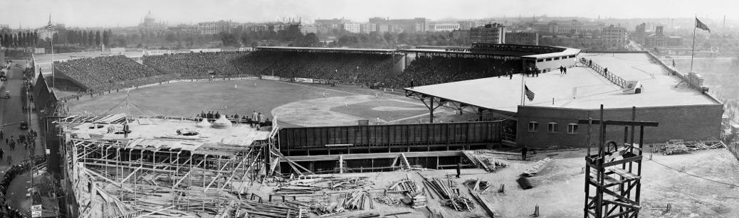 Fenway Park, 1914 World Series. Photo taken by Edmunds E. Bond for Panoopticon. https://www.flickr.com/photos/boston_public_library/5396091346.